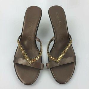 Contessa Italian shoemaker bronze kitten heels 11m